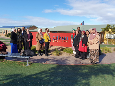 Group photo of the program participants visiting Aitken College, Melbourne